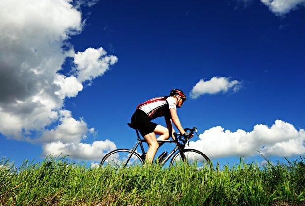 Fait du vélo avec un GPS