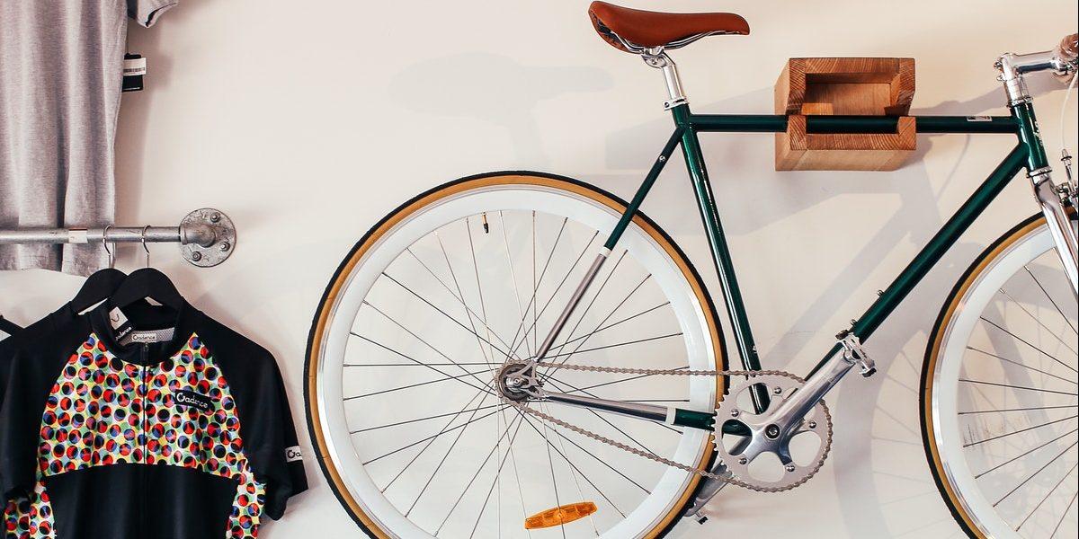 Range vélo mural