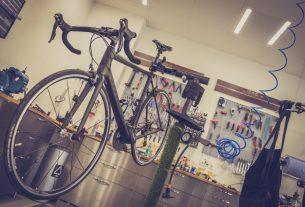 Pied d'atelier pour vélo