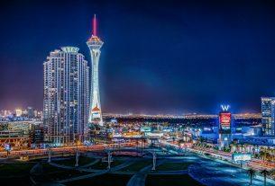 Vue de la zone métropolitaine de nuit