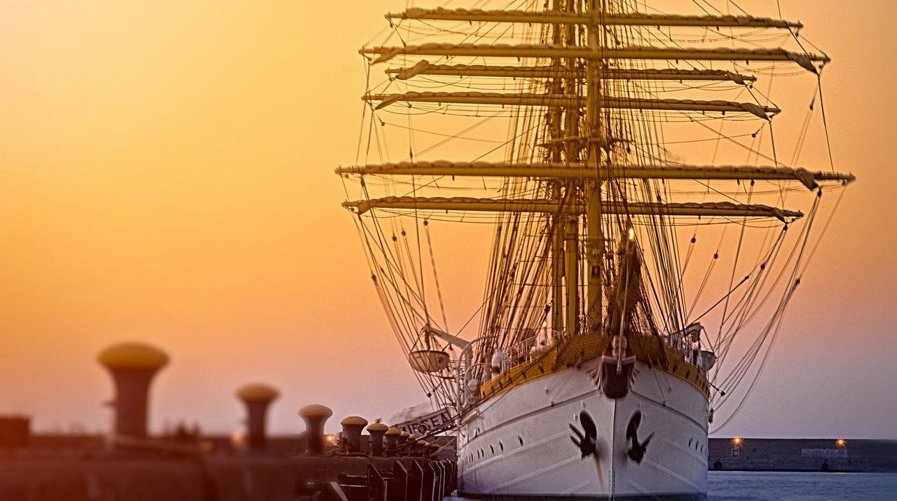 Navire gallon blanc